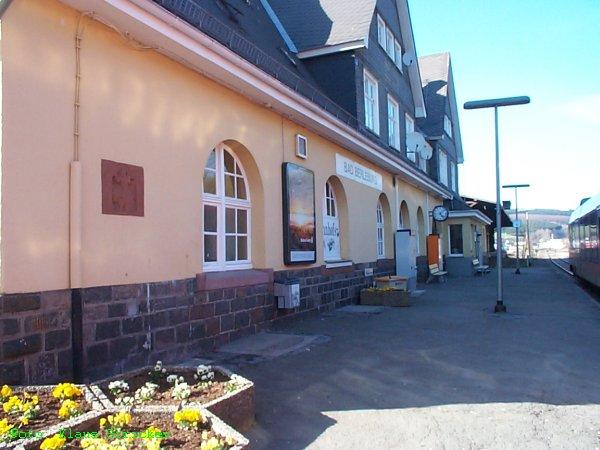 So sieht ein gepflegter Bahnhof aus!