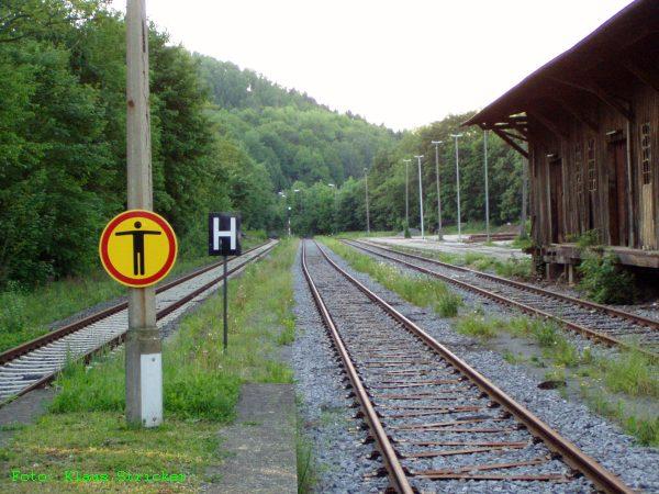Blick Richtung Norden - links Gleis 1, rechts Gleis 2