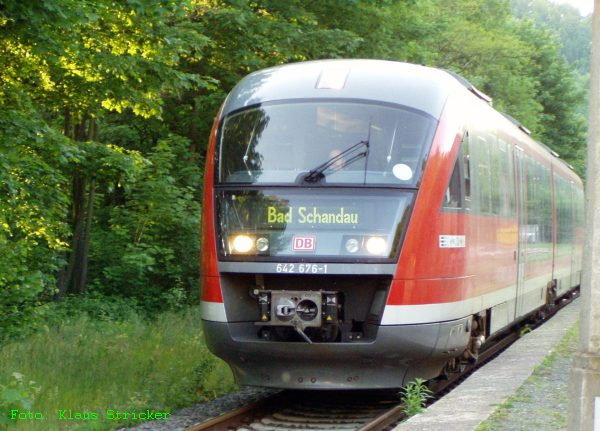 Die Regionalbahn nach Bad Schandau (642 676).