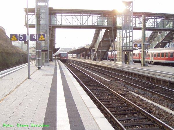 Gleis 3, 4 und 5 und die Zugänge (leider gegen die Sonne, die dann doch etwas durchkam)