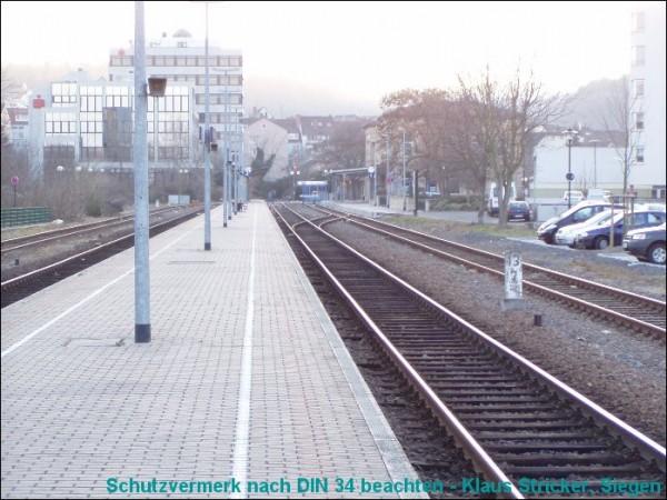 Auf Gleis 1 kann auch noch umgesetzt werden.