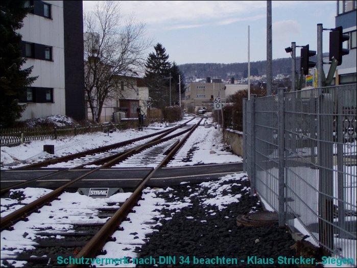 Blick aus dem Bahnhof Richtung Wallau
