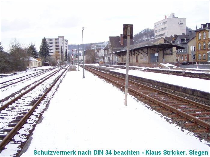 Hier konnten lange Züge abgefertigt werden - Blick Richtung Wallau