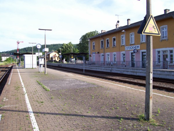 Mittel- und Hausbahnsteig
