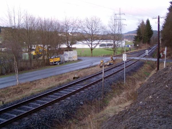 Überblick über Anschlussgleis und Bahnübergang