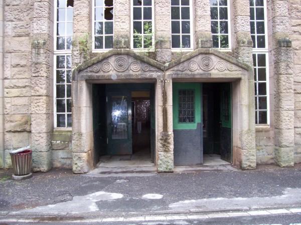Die Türen zur Bahnhofshalle