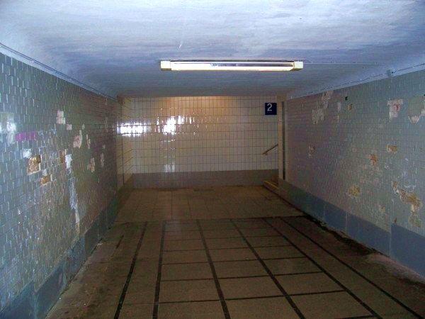 Der Tunnel zu Gleis 2 & 3
