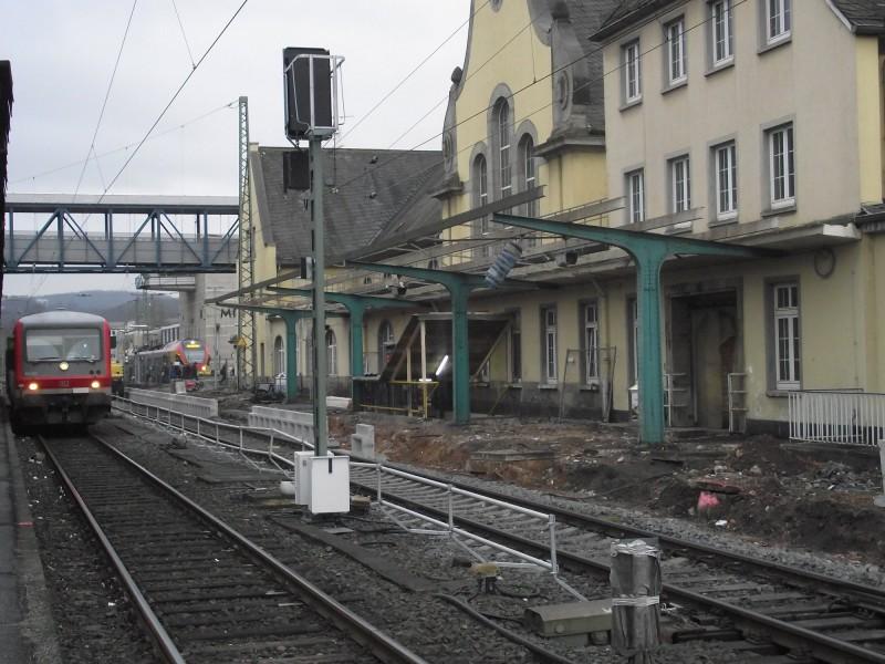 Marburg (Lahn) - Bahnsteig an Gleis 1 wird erneuert
