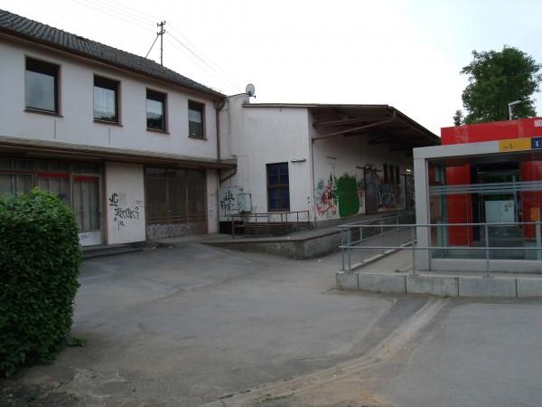 Ehemaliges Empfangsgebäude und Güterschuppen