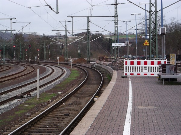 Der östliche Bahnsteigkopf - die Arbeiten haben dort begonnen