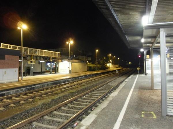 Overath: Blick vom Mittelbahnsteig Richtung Dieringhausen