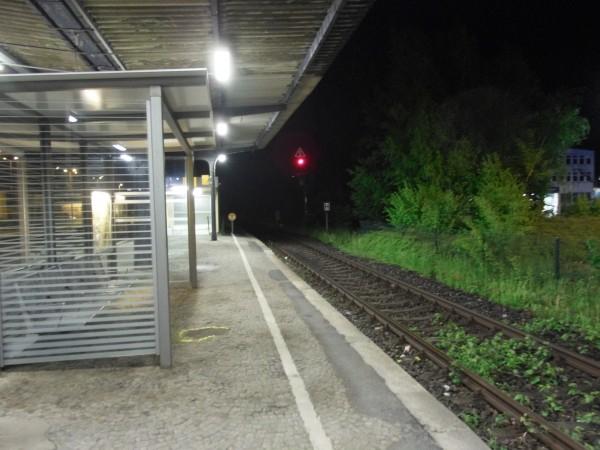 Overath: Blick vom Mittelbahnsteig Richtung Dieringhausen, Gleis 3